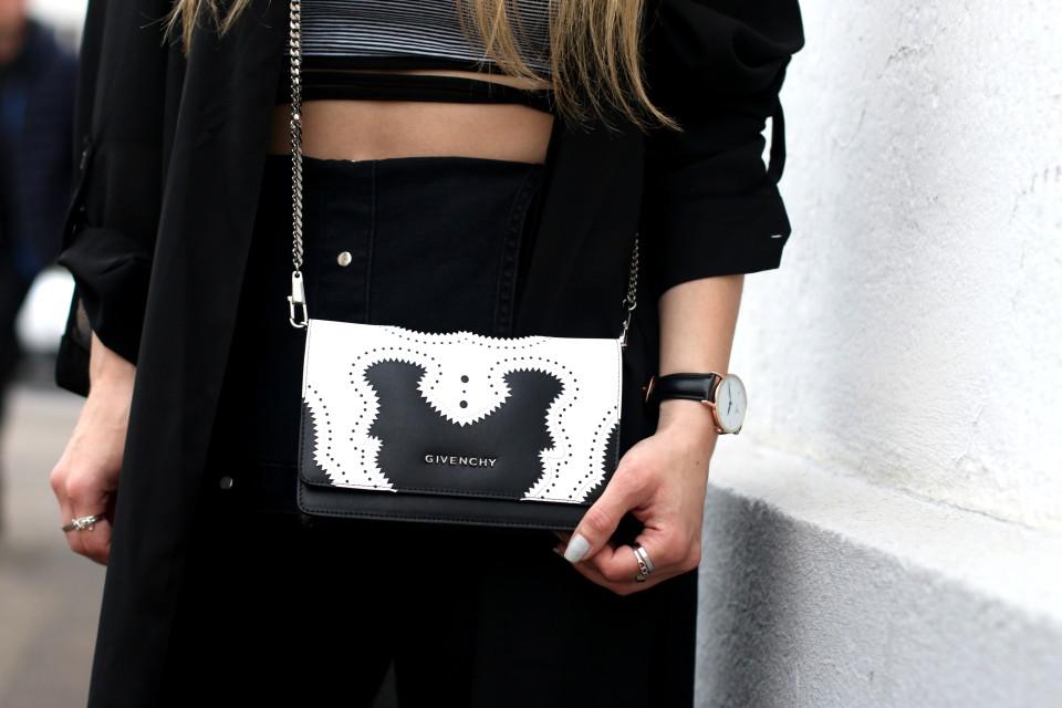 http://www.fashiontwinstinct.com/wp-content/uploads/2016/05/nakd-top_blogger-givenchy-bag-960x640_c.jpg