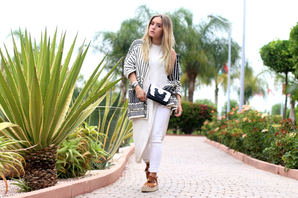 http://www.fashiontwinstinct.com/wp-content/uploads/2016/06/layering-look-layers-styleblogger-germanblogger-givenchy-bag-marrakech-ootd-fashionblog-960x640_c.jpg