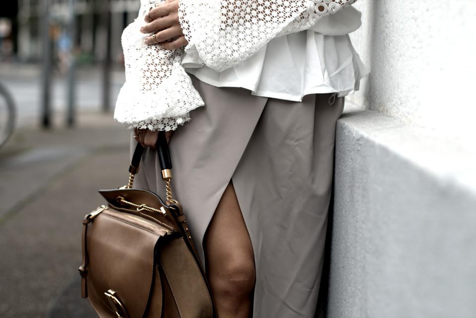 http://www.fashiontwinstinct.com/wp-content/uploads/2016/08/IMG_6939.CR2_-960x641_c.jpg
