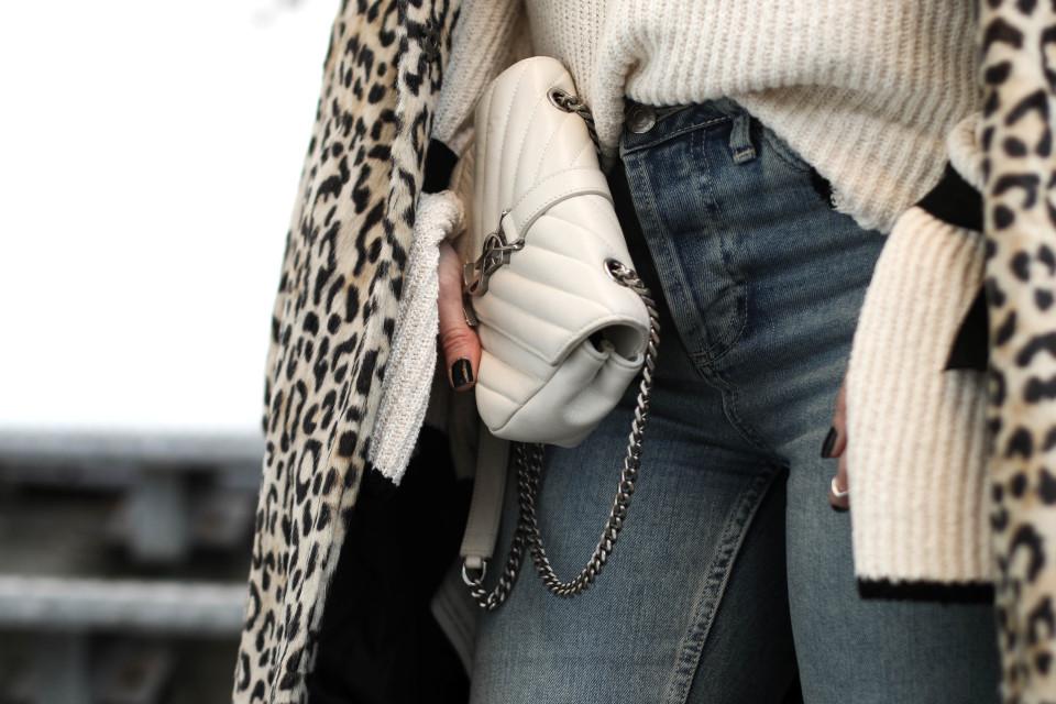 http://www.fashiontwinstinct.com/wp-content/uploads/2016/12/IMG_6503-960x640_c.jpg