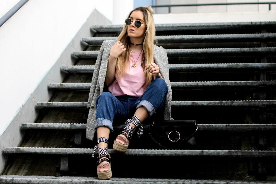 http://www.fashiontwinstinct.com/wp-content/uploads/2017/04/miu-miu-platforms-platform-ballerina-miu-miu-shoes-blogger-streetstyle-960x640_c.jpg