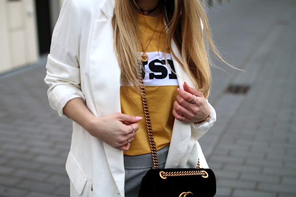 http://www.fashiontwinstinct.com/wp-content/uploads/2017/05/track-pants-trend-fashion-blog-streetstyle-colourfulrebel-muse-shirt-colourful-rebel-discount-code-960x640_c.jpg