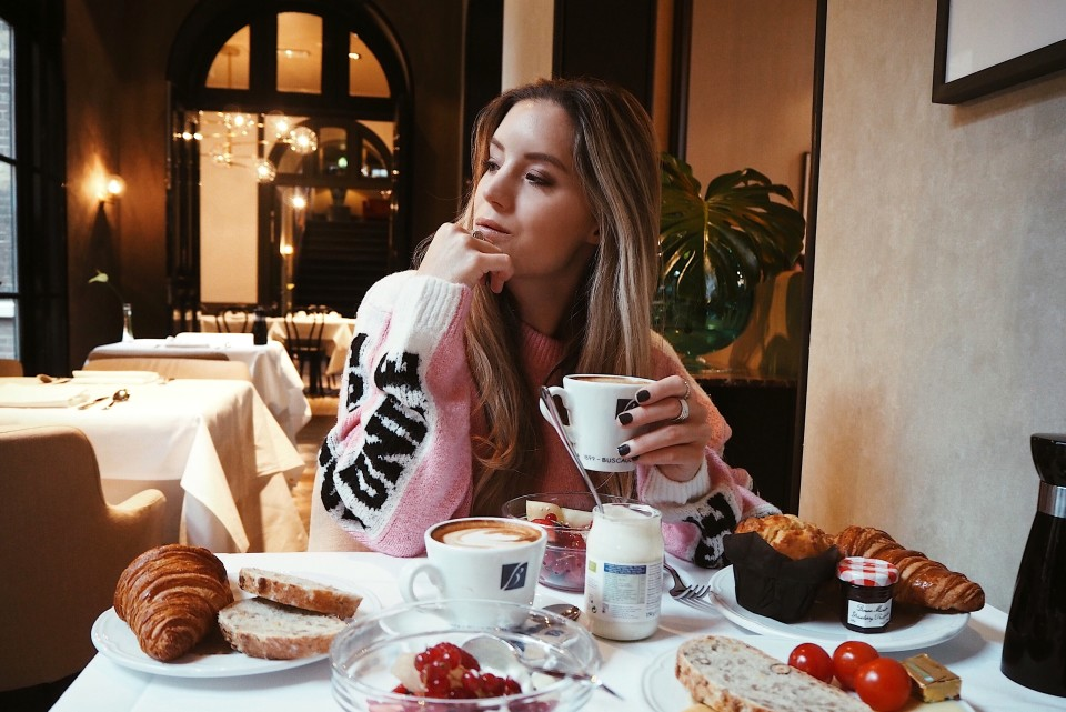 http://www.fashiontwinstinct.com/wp-content/uploads/2018/01/The-College-Hotel-Amsterdam-breakfast-review-travel-blog-960x641_c.jpg