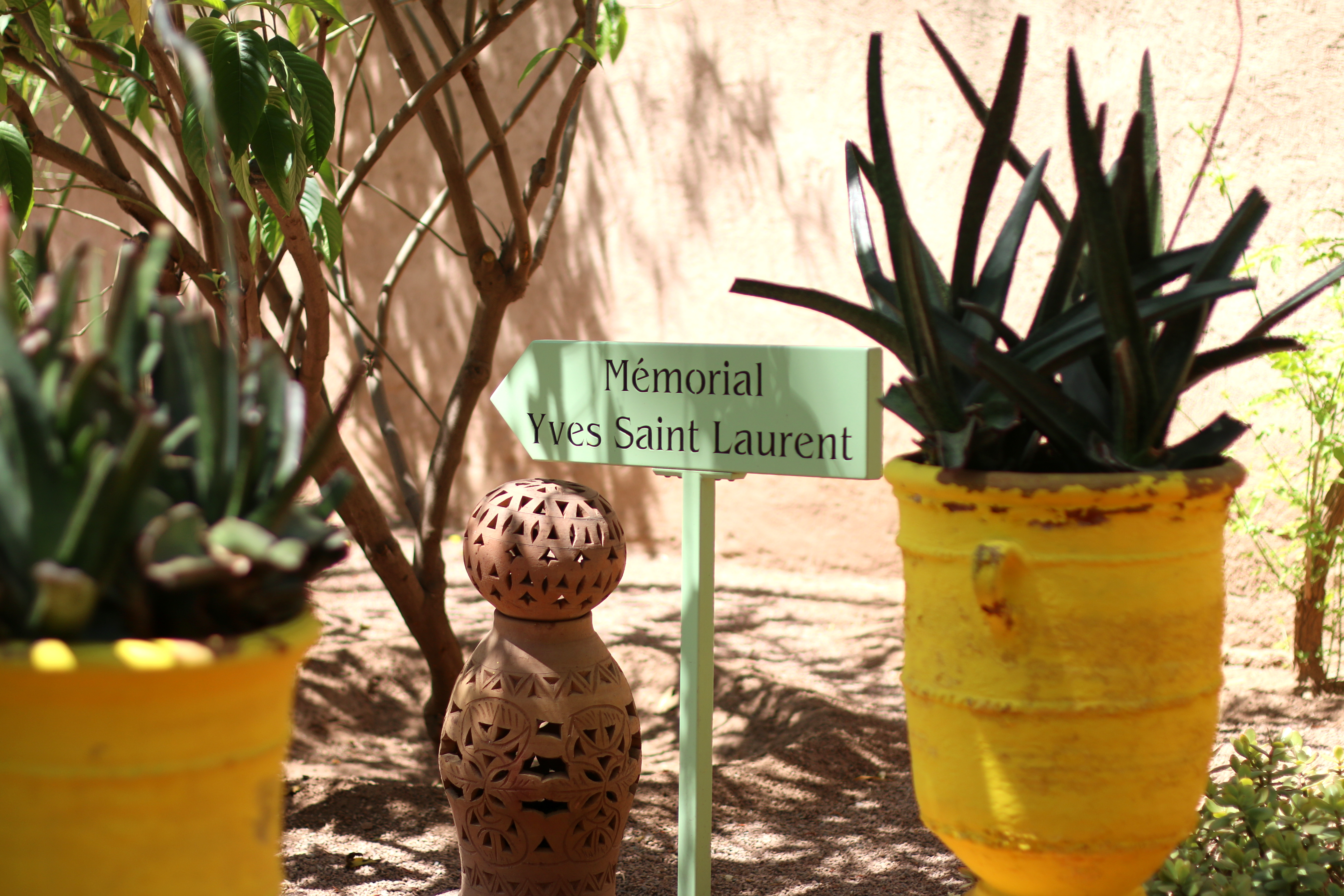 marrakech travel guide jardin majorelle yves saint laurent memorial
