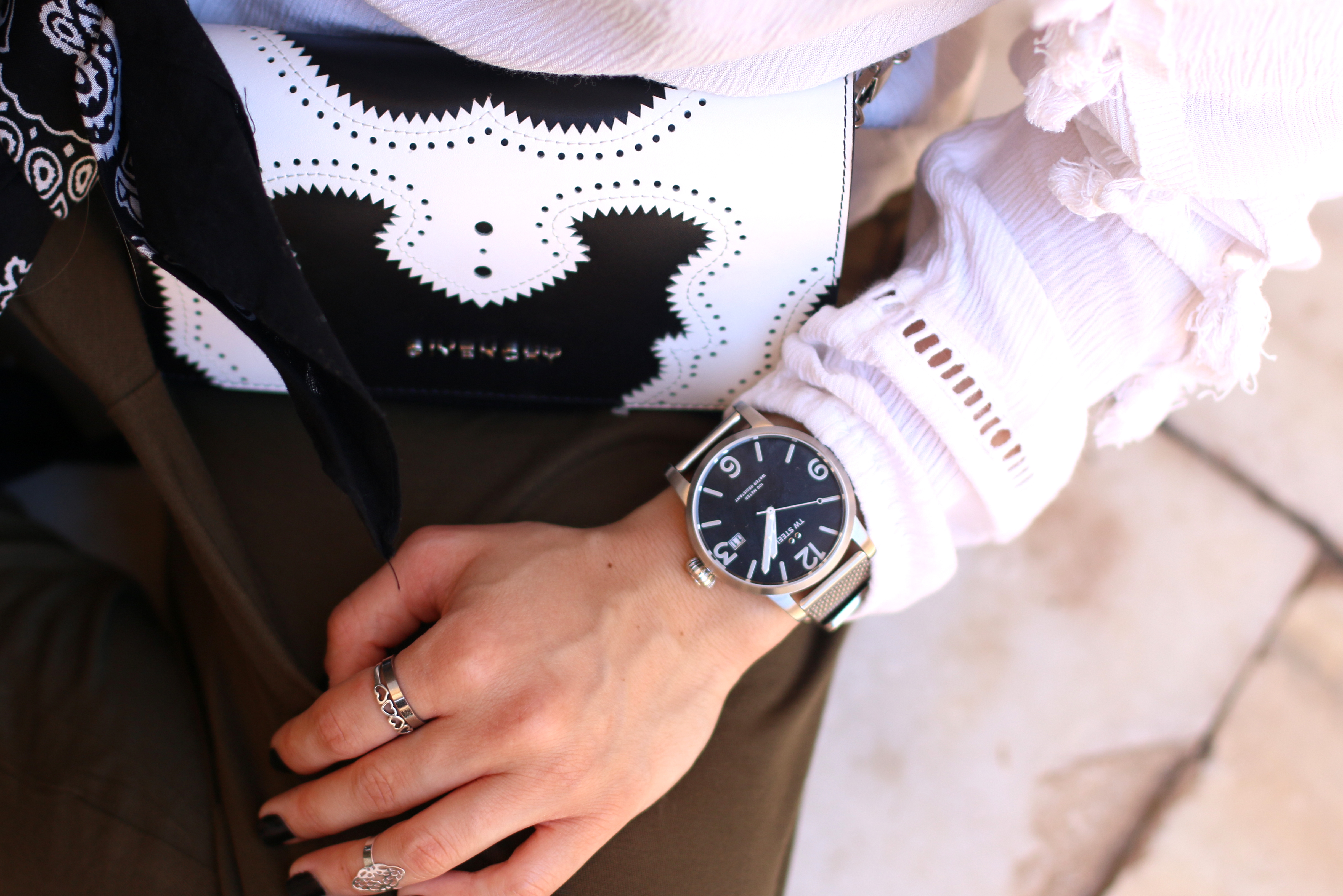 tw steel maverick watch fashionblogger givenchy bag marrakech style
