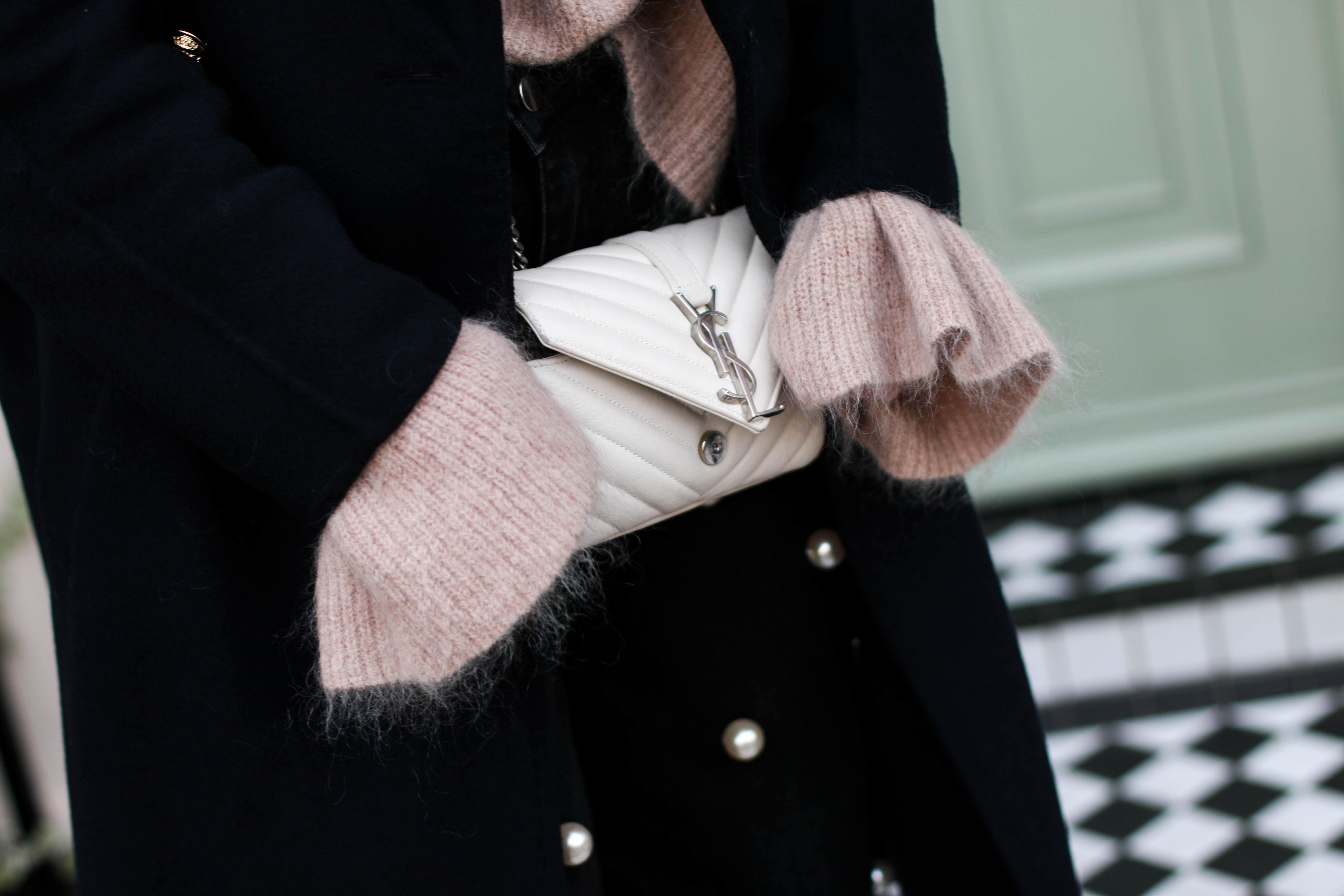 Pearl Trend Belle Sleeves YSL Monogramme Bag