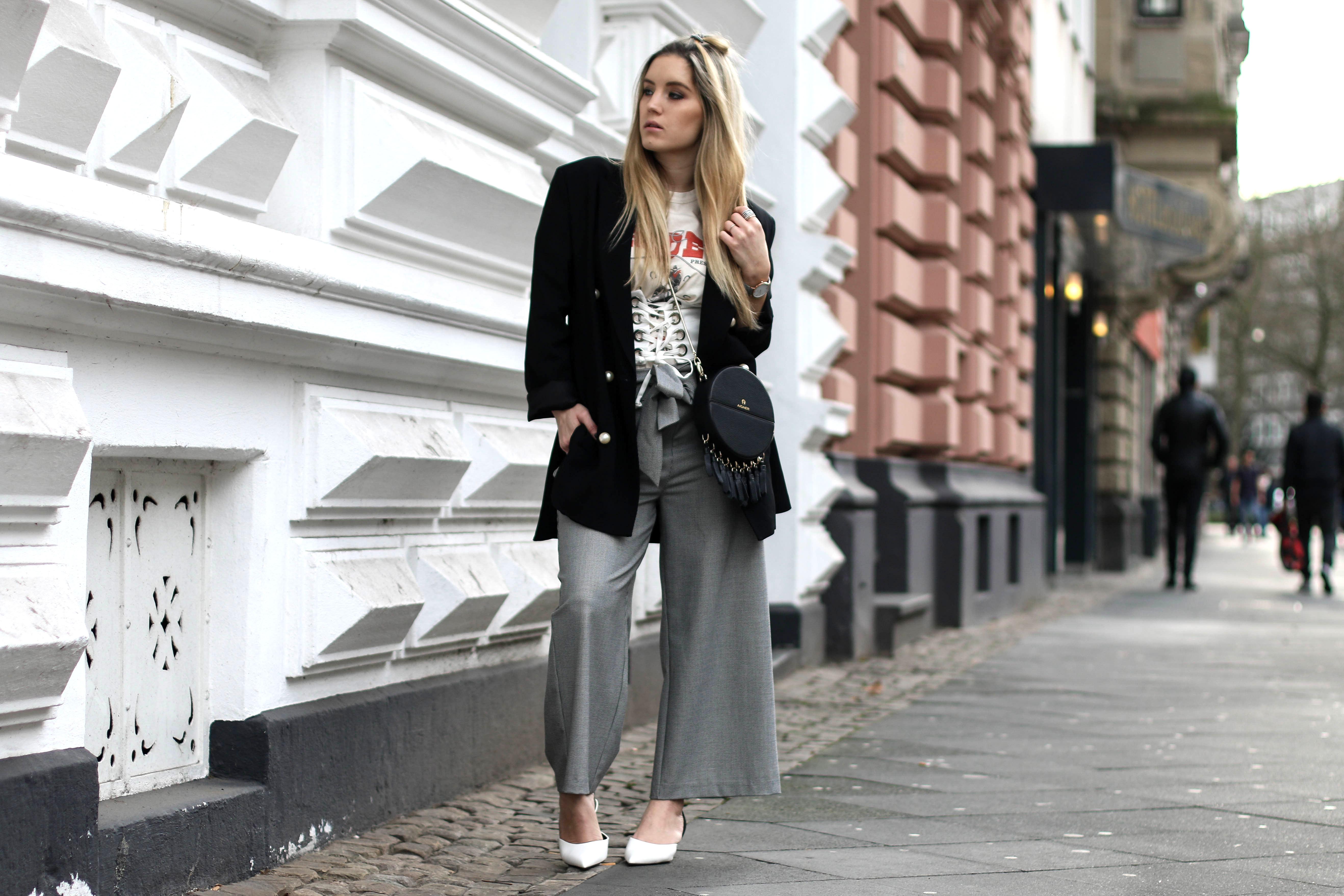 corset belt over shirt streetstyle fashion blog