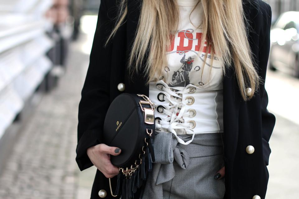 https://www.fashiontwinstinct.com/wp-content/uploads/2017/03/IMG_3180-1-960x640_c.jpg