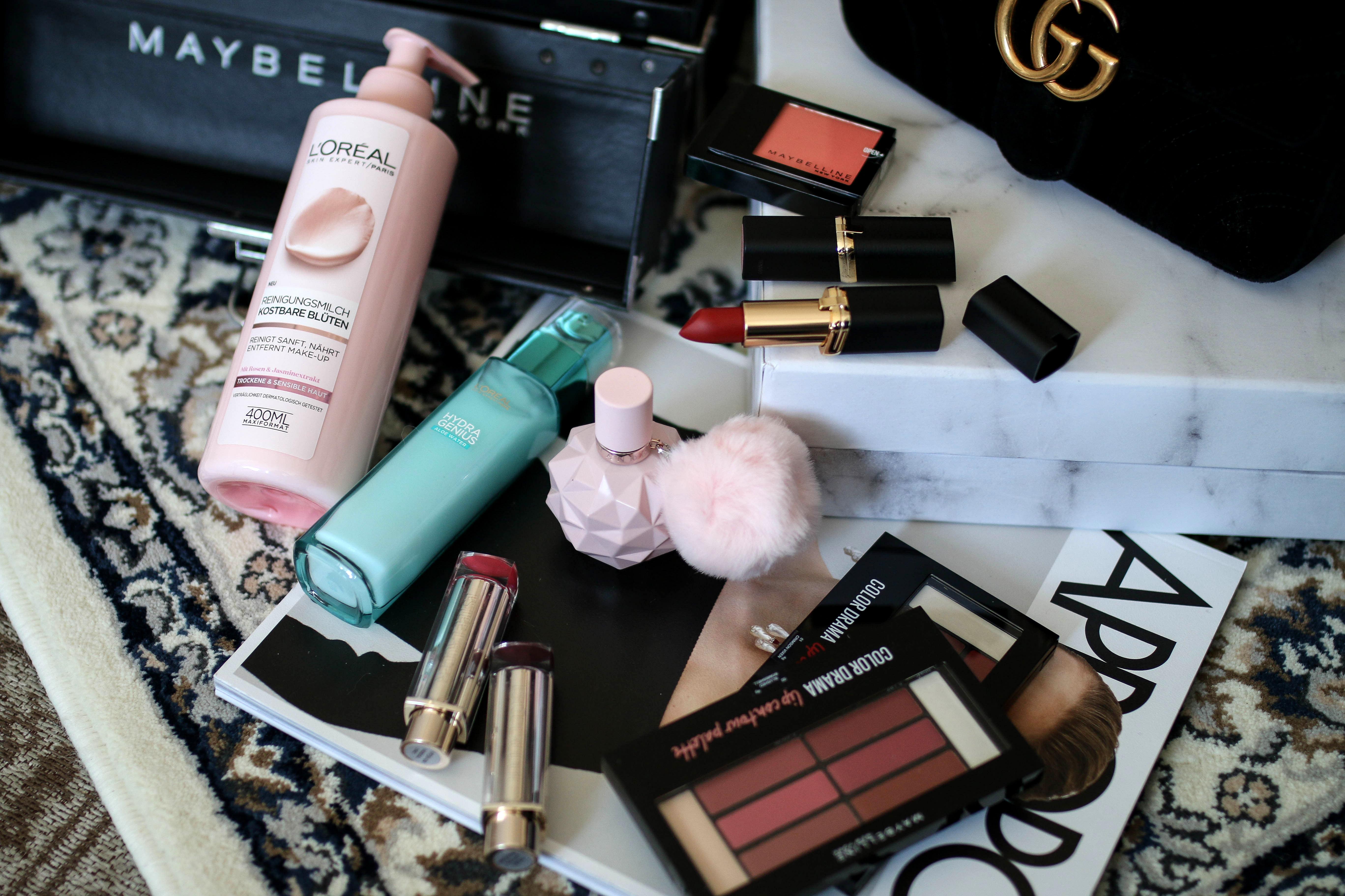 monthly favorites blogpost beauty favourites beauty blog maybelline koffer estee lauder lipstick