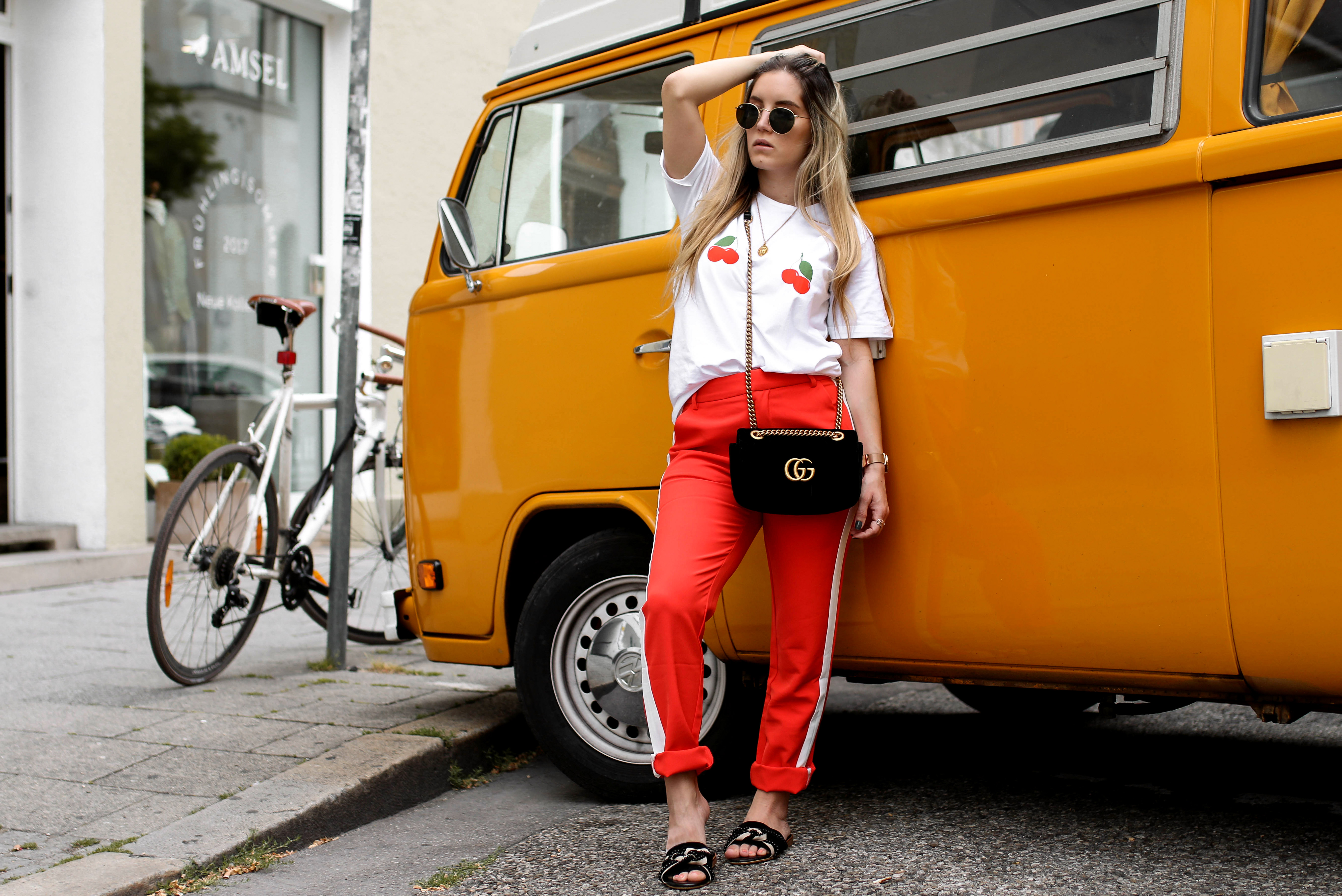 cherry shirt loavies gucci marmont gg marmont velvet fashion blog streetstyle pinterest
