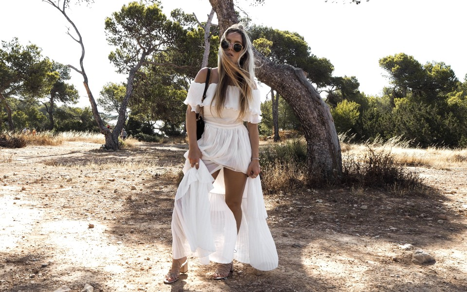 https://www.fashiontwinstinct.com/wp-content/uploads/2017/07/white-summer-dress-maxidress-storets-dress-gucci-marmont-photoshoot-sa-caleta-ibiza-fashionblog-1-960x600_c.jpg