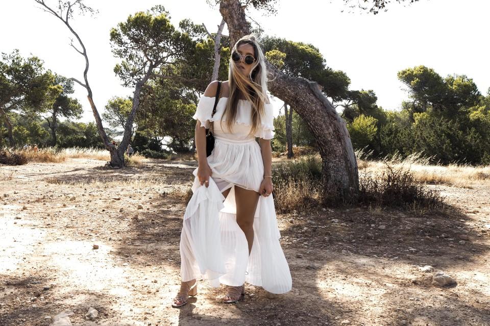 https://www.fashiontwinstinct.com/wp-content/uploads/2017/07/white-summer-dress-maxidress-storets-dress-gucci-marmont-photoshoot-sa-caleta-ibiza-fashionblog-1-960x639_c.jpg