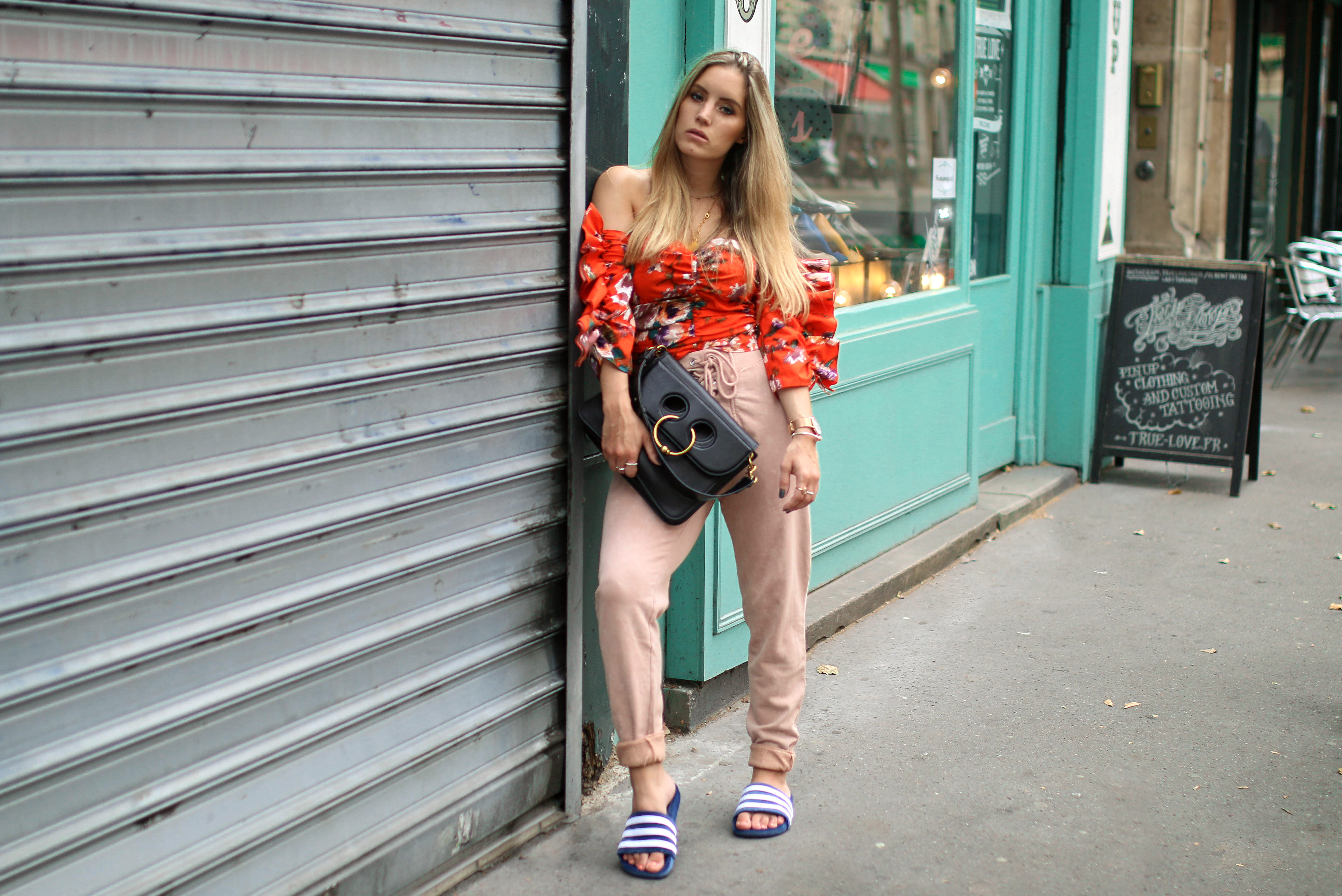 velvet adilettes velvet adiletten samt adiletten trend streetstyle outfit inspiration fashion blog
