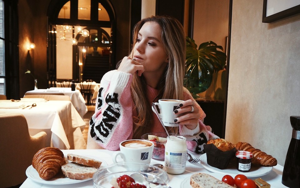https://www.fashiontwinstinct.com/wp-content/uploads/2018/01/The-College-Hotel-Amsterdam-breakfast-review-travel-blog-960x600_c.jpg